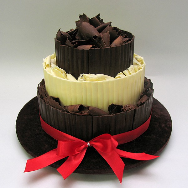 Chocolate - 3 Tiers - 52 Portions