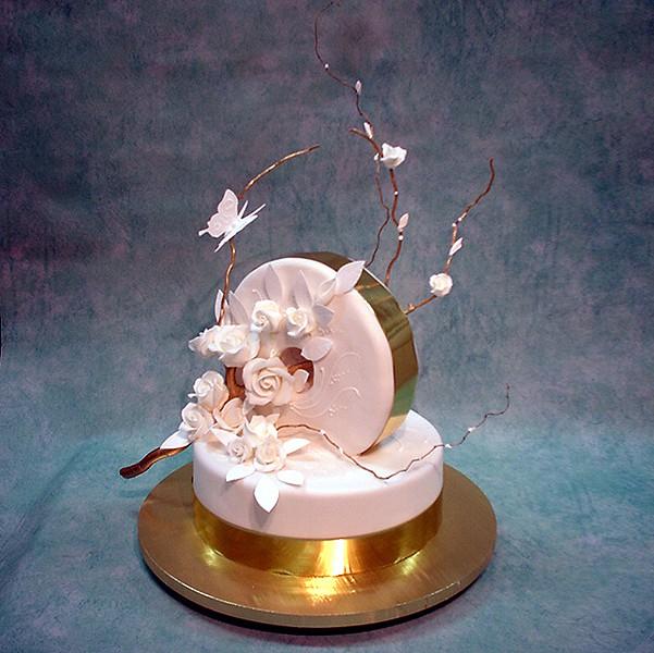 Vertical Round Wedding Cake
