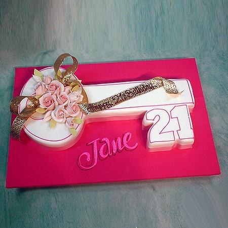 Key Cake Designs For 21st Birthday : 21 Key Shape - Shape-Cut - Special Cakes