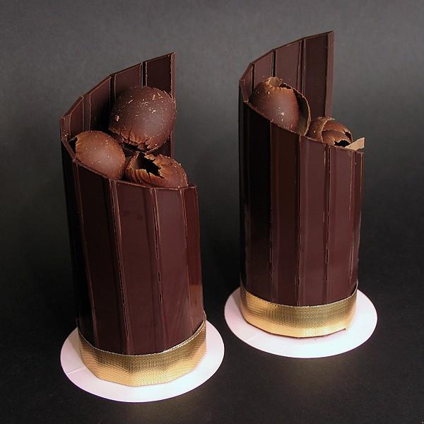 Chocolate Spiral Fence Cylinder Cake