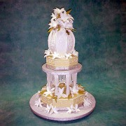 Wedding Cake with Octagon Vase