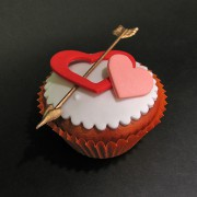 Cupids Arrow Cup Cake