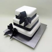 Black Bows Cake